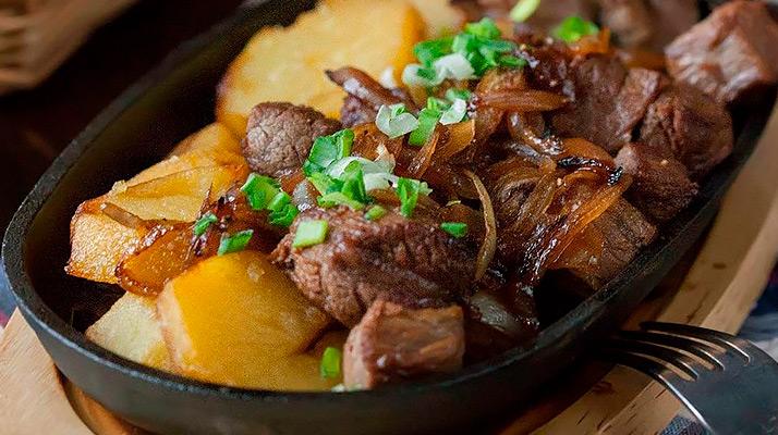 Картофельно-мясная сковородка